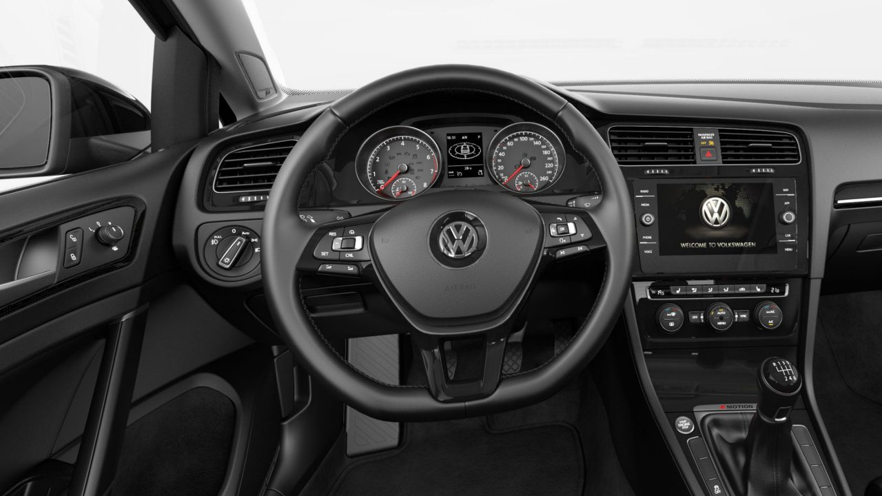 Golf Sportwagen with Multifunction steering wheel